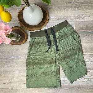 """Lululemon Athletica Men's T.H.E. Shorts 11"""" Green"""